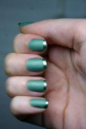 матовый маникюр зеленый с глянцевыми кончиками