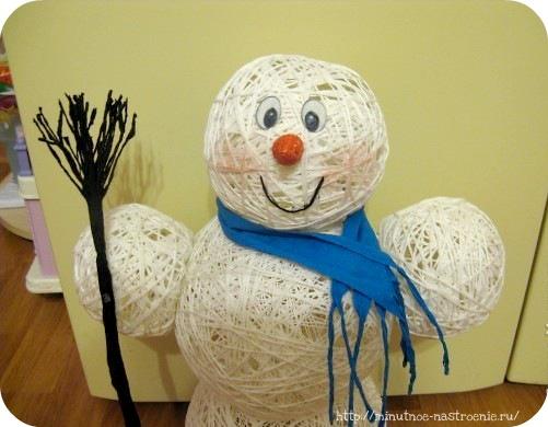 Снеговик из ниток шаг №9