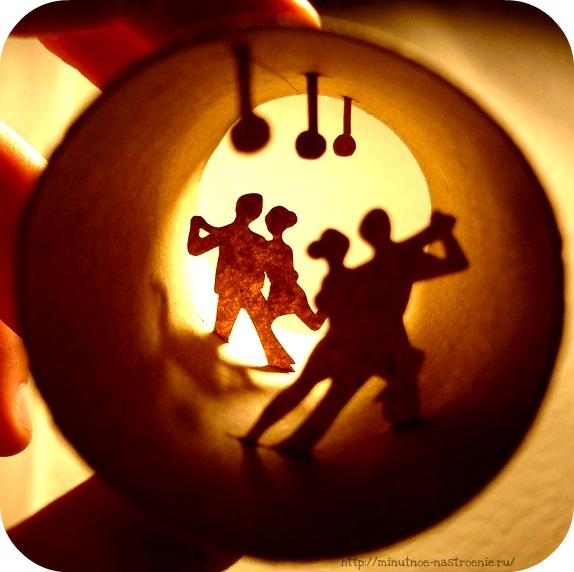 Фигурки в рулоне туалетной бумаги танцы