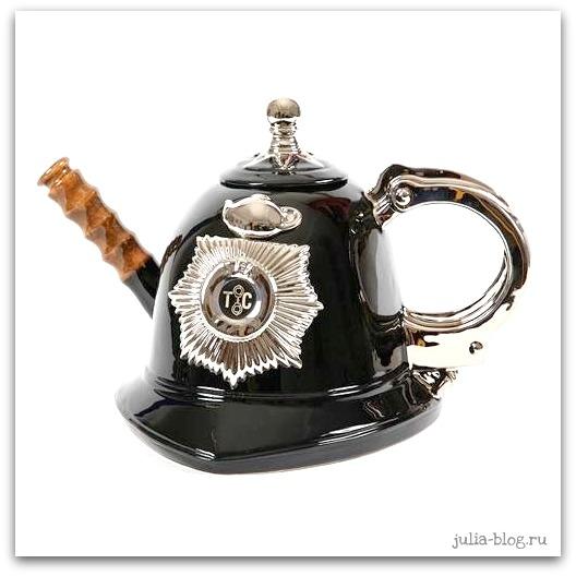 полицейский заварной чайник