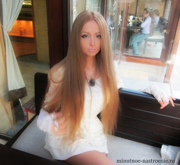девушка с фигурой Барби фото