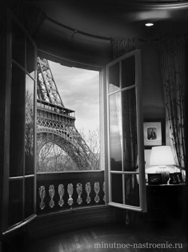 эйфелева башня вид из окна