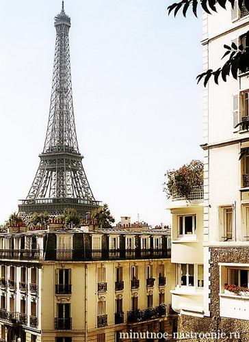 эйфелевая башня в париже