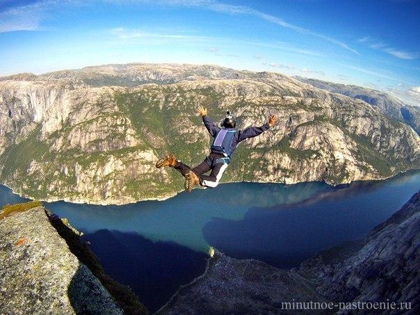 Бэйсджампинг в Норвегии фото