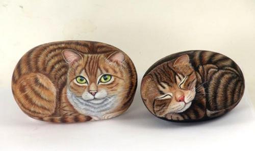 Роспись по камням кошки