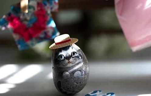 Роспись по камням кот в шляпе