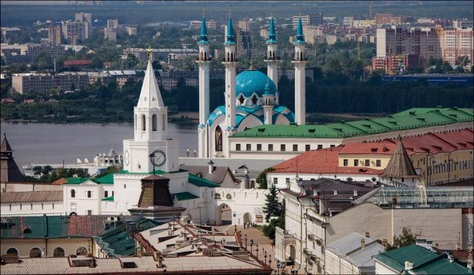 Мечеть Кул-Шариф и Спасская башня фото