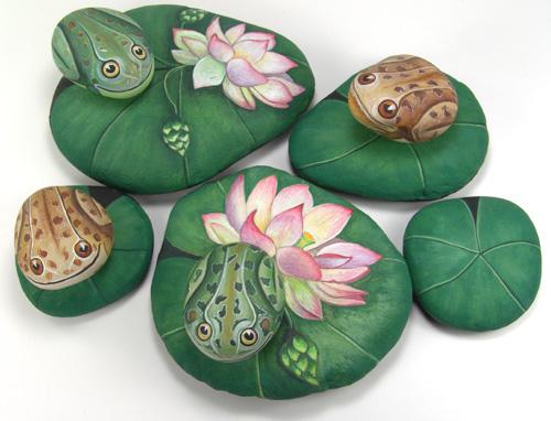 Роспись по камням лягушки